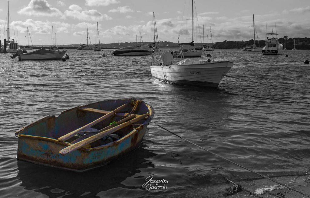 Barco velho a remos em Alvor
