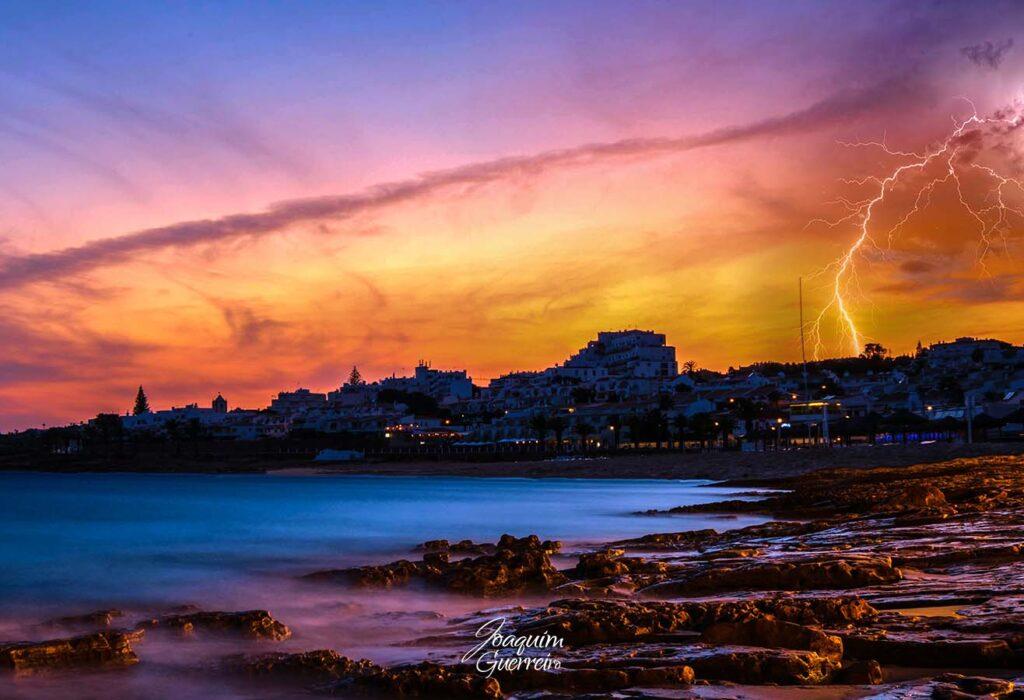 Longa exposição com relampagos na Praia da Luz - Algarve